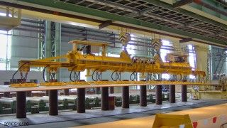 Vacuum lifter of Aerolift to handle plates for the production of steel plates